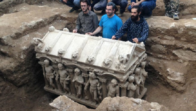 A Roman sarcophagus unearthed by a farmer in the Hisardere area of Turkey, northeast of İznik, in November of 2015.